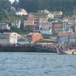 Met de bijboot varen naar de processie te water (1)