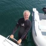 Veel te koud om zonder wetsuit te zwemmen (2)