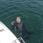 Veel te koud om zonder wetsuit te zwemmen (3)